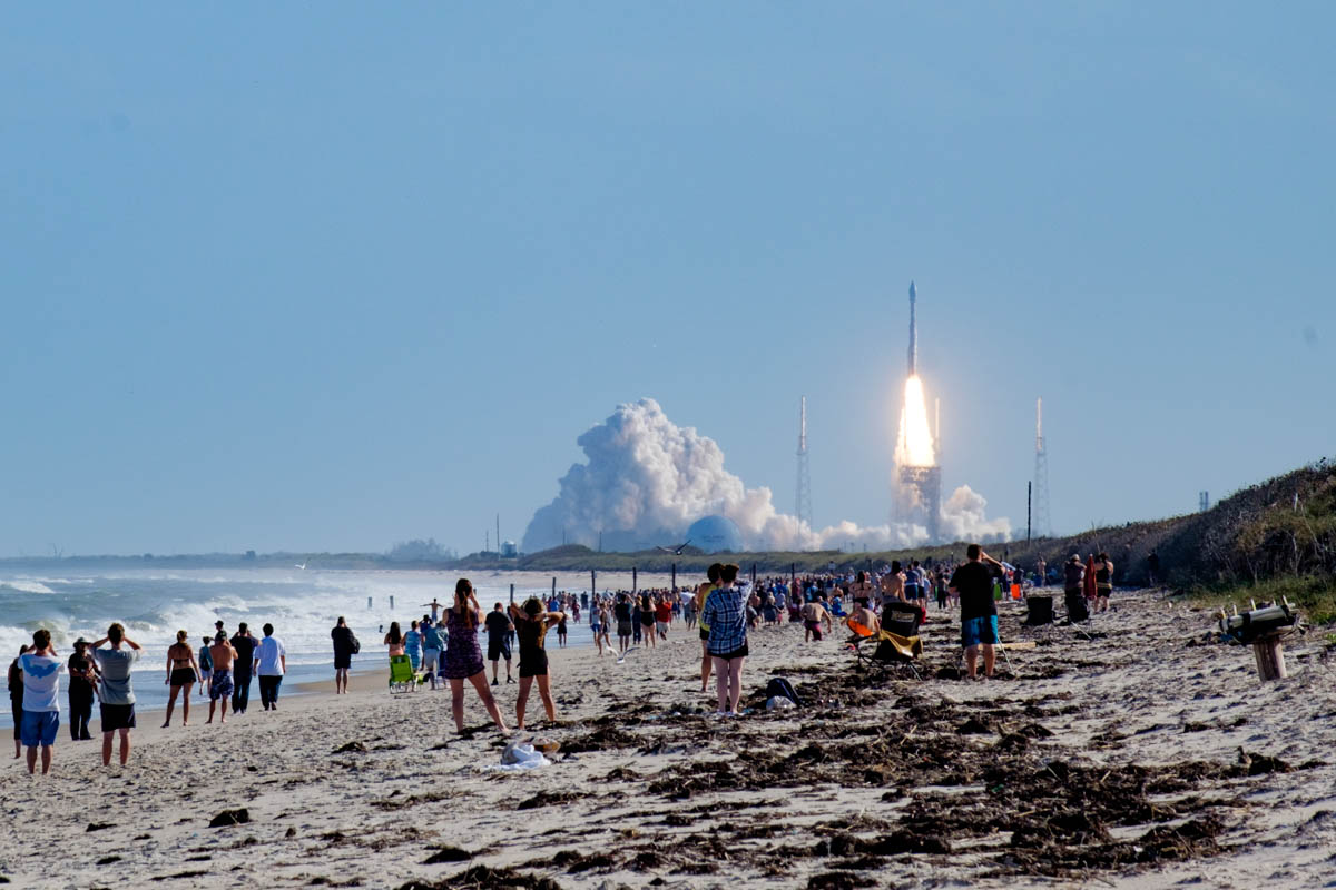 Atlas V EchoStar XIX launch